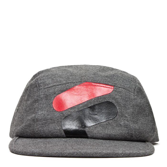 tk hat in shark