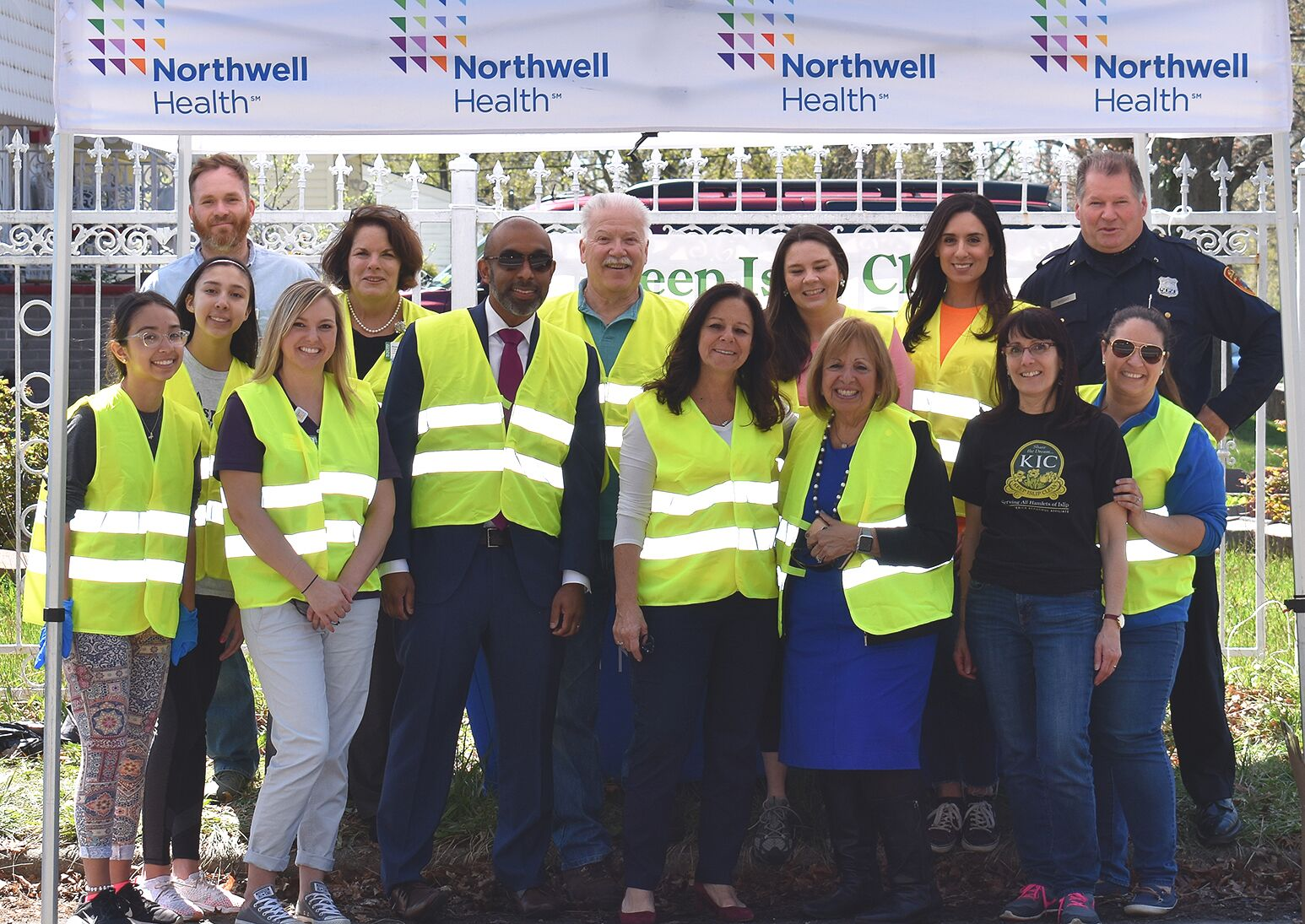 Town of Islip Supervisor Angie Carpenter (third from right) with Donna Moravick, NP, executive director of Southside Hospital and other volunteers to to commemorate Earth Day.