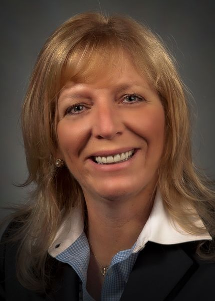 Carolyn Quinn's headshot