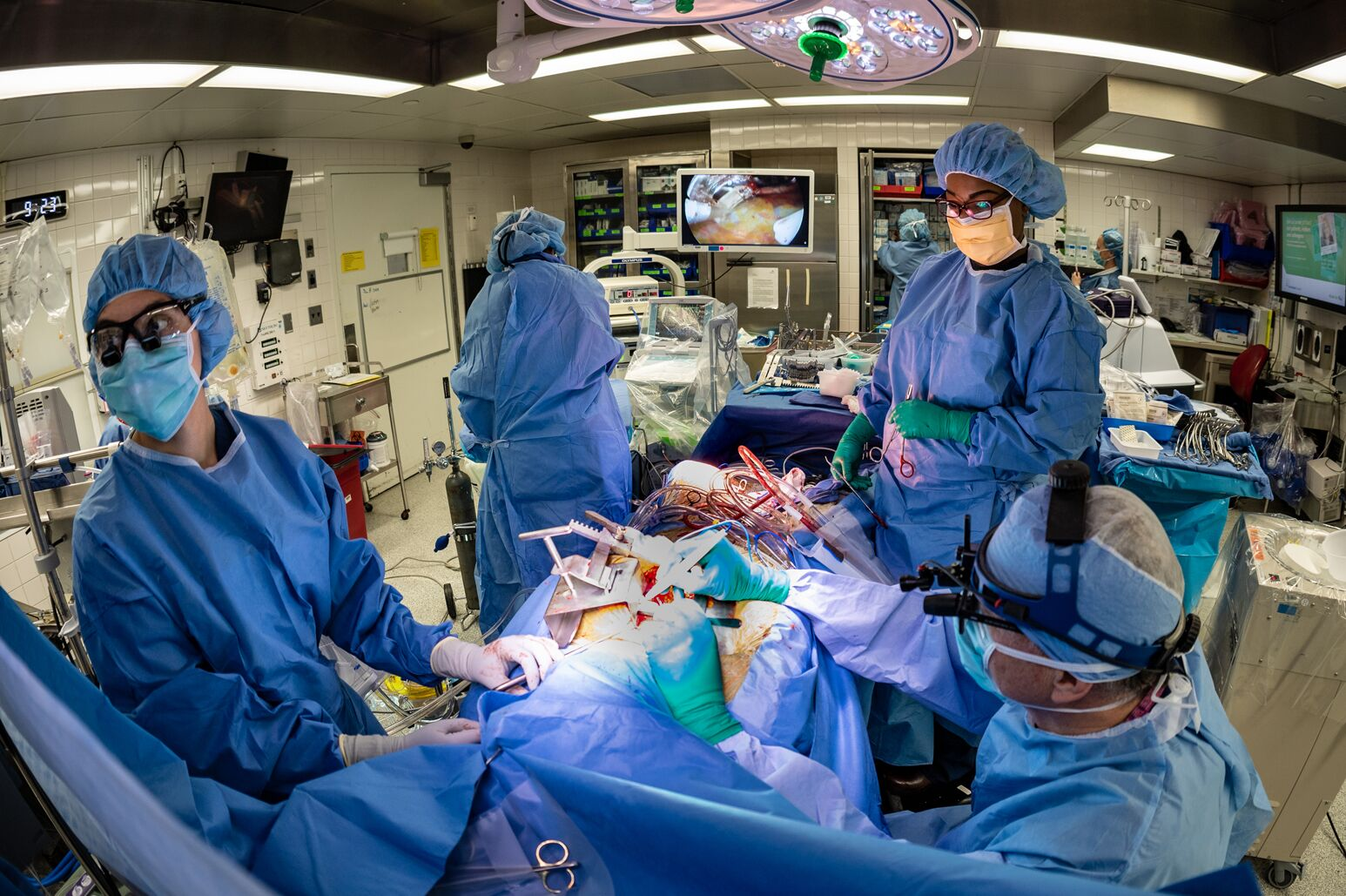 Alan Hartman, MD, performs surgery at the Sandra Atlas Bass Heart Hospital.