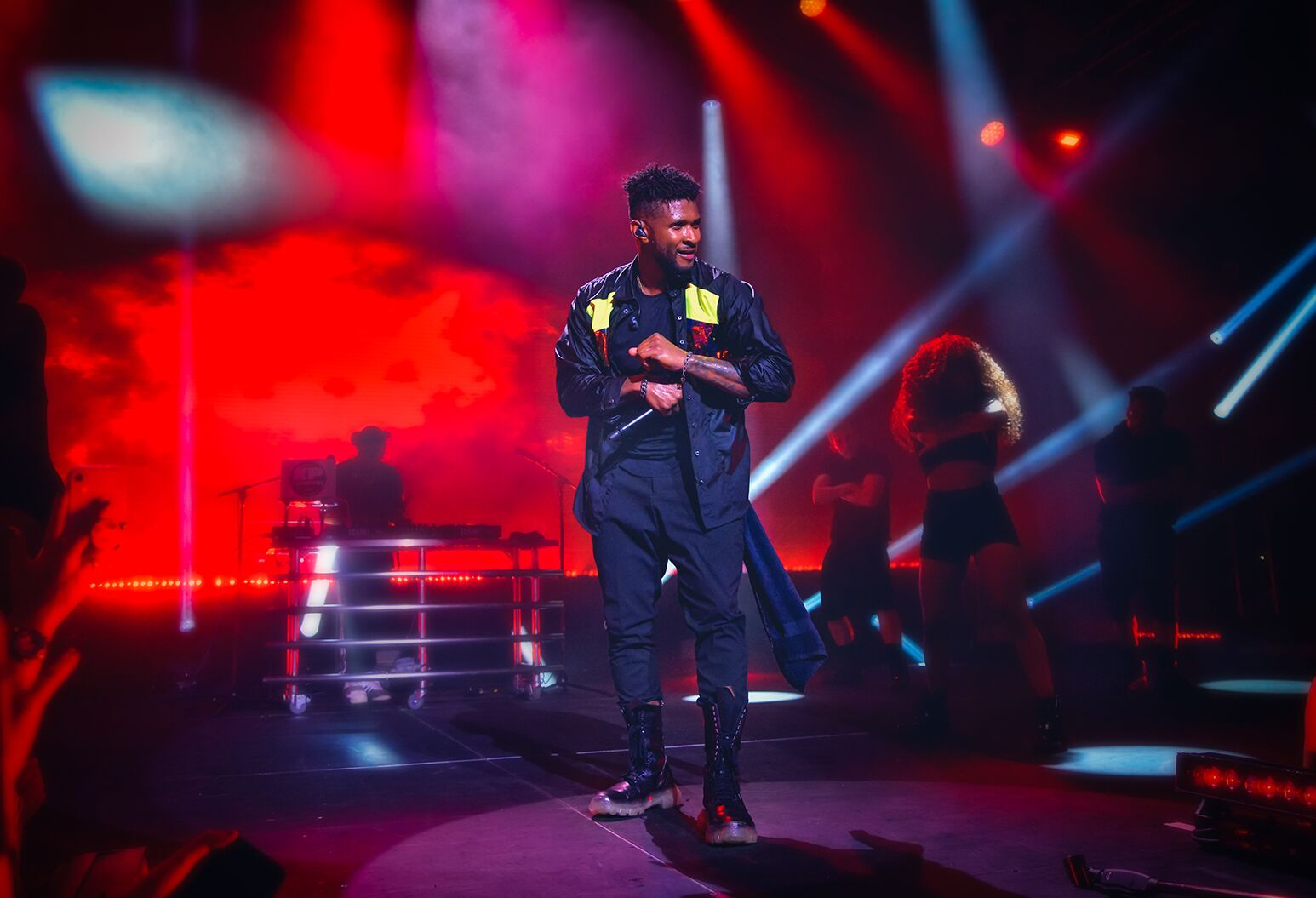 Usher performed at Northwell Health's 14th annual Feinstein Institutes for Medical Research Summer Concert, which raised $3.4 million to support research innovation.