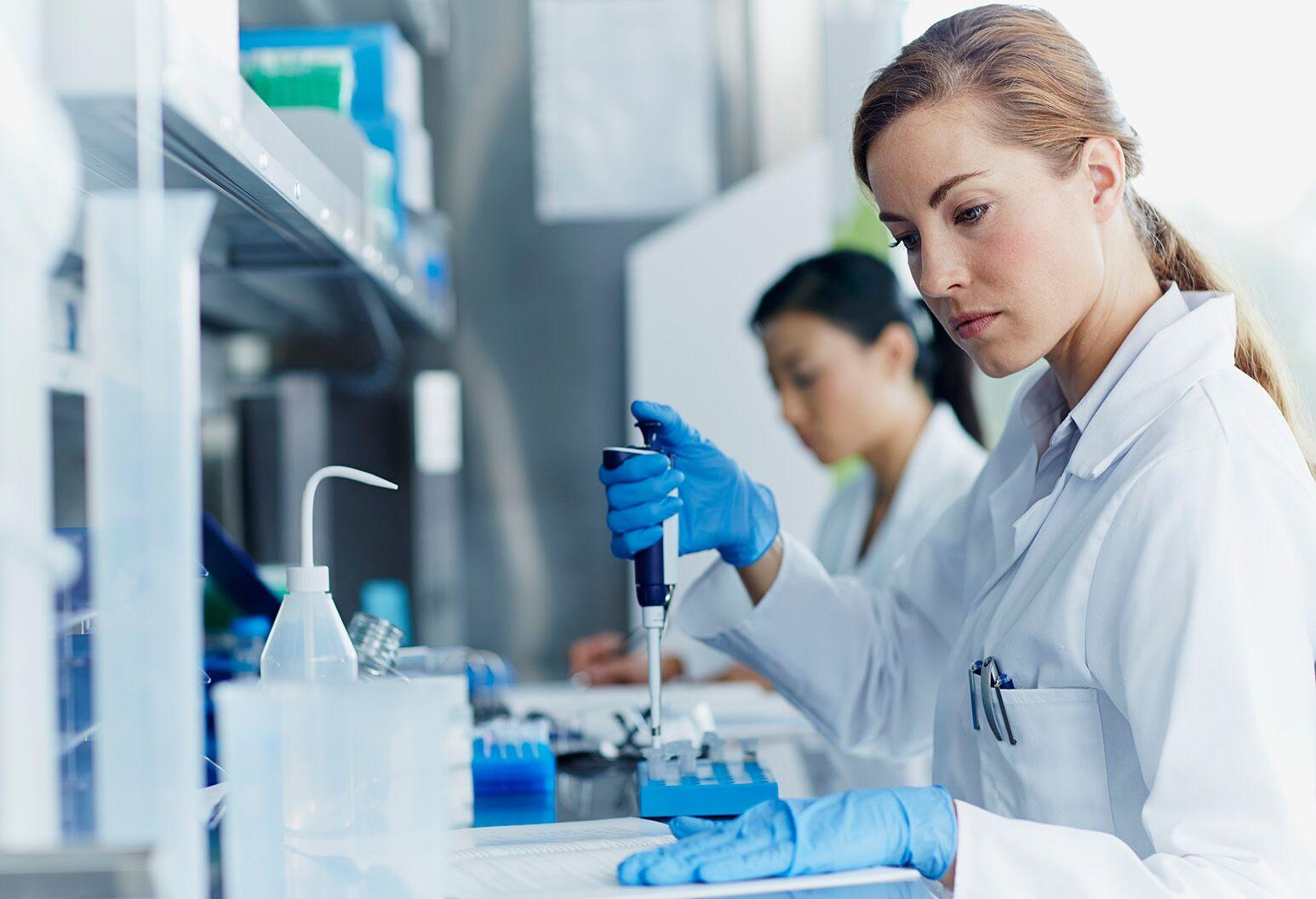 Female scientist in the lab.