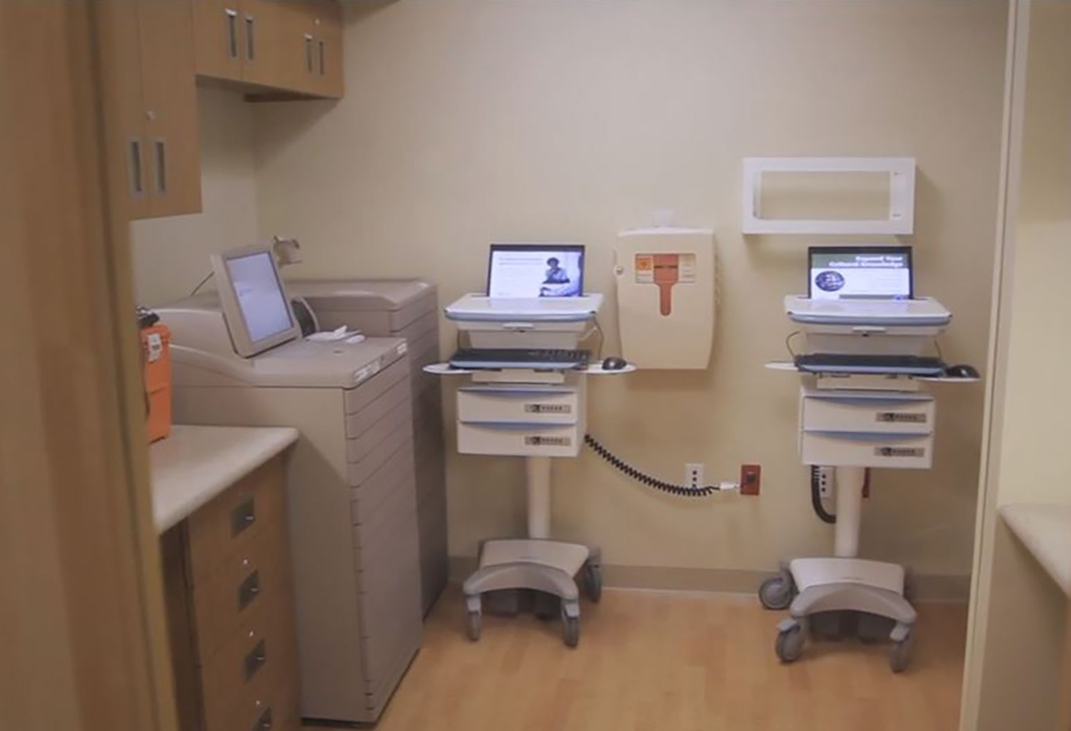 Image of medical equipment in a patient room