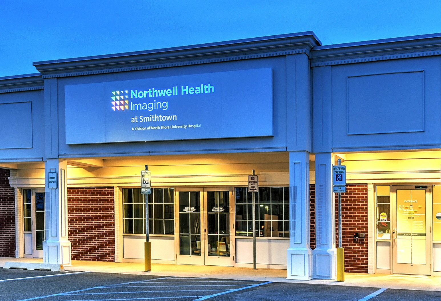 Exterior shot at dusk of Northwell Health Imaging at Smithtown.