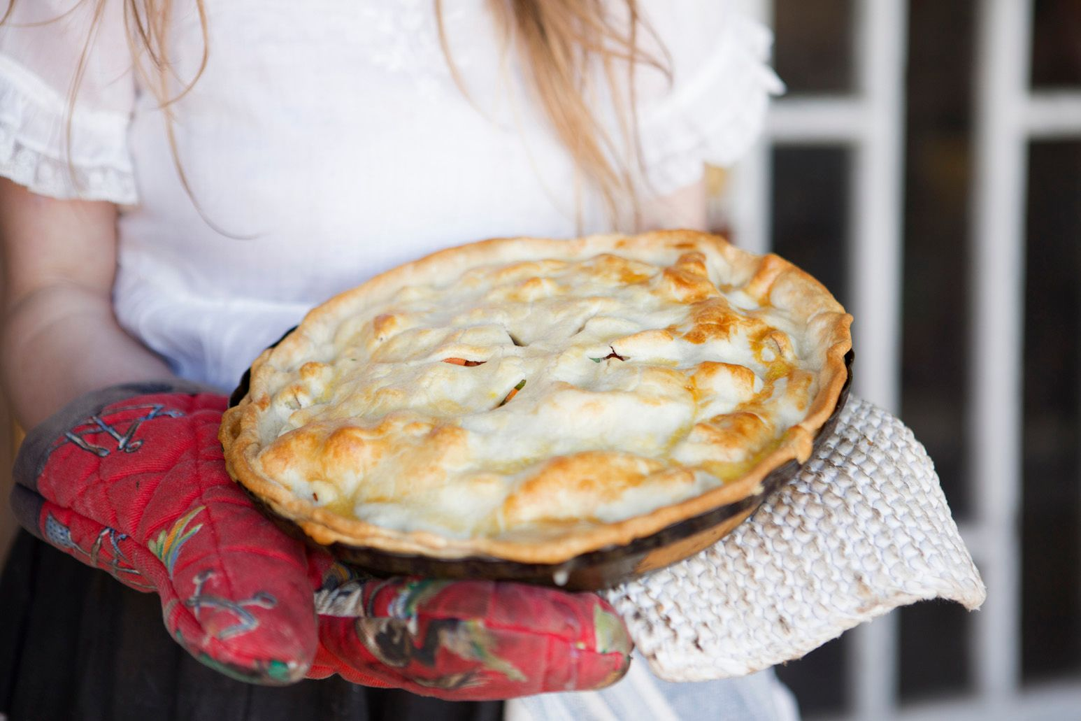 Vegetarian pot pie is one delicious dish you can serve if you are hosting vegetarians on Thanksgiving.