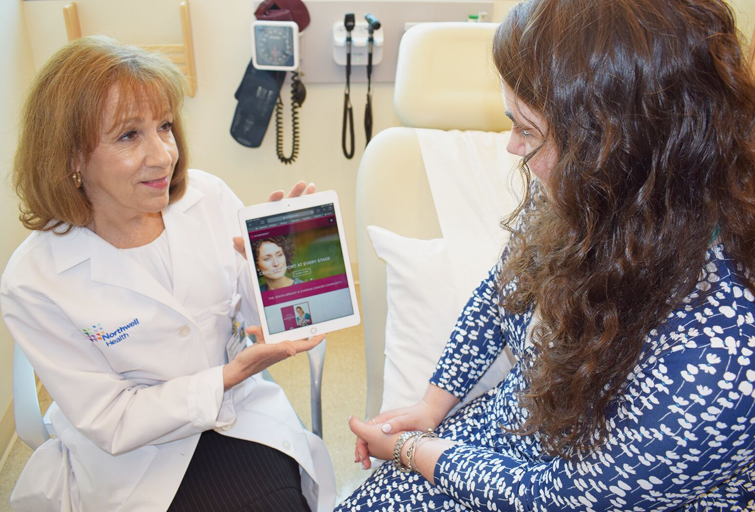Sharon Lerman, an oncology social worker at Northwell's Cancer Institute in Lake Success, explains the Sharsheret resources available to a patient.