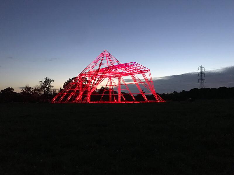 Fineline Glastonbury Pyramid in red IMG_6300
