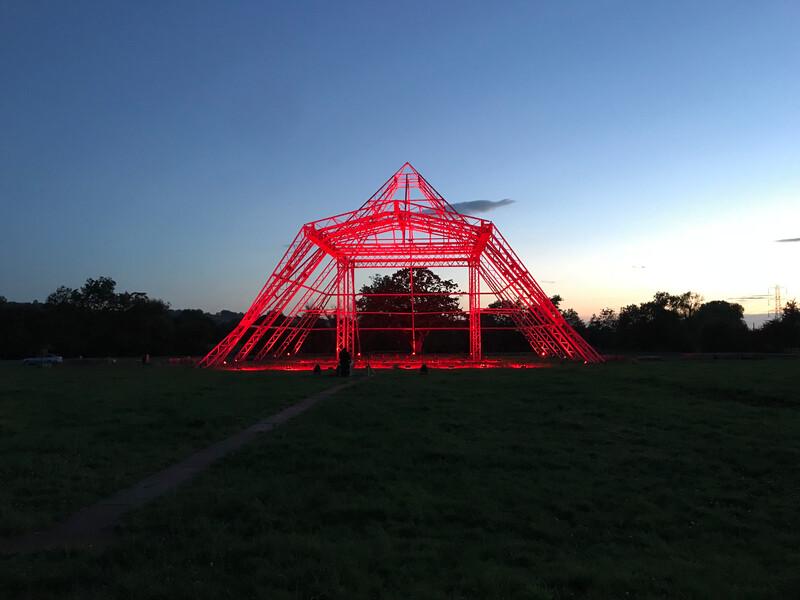 Fineline Glastonbury Pyramid in red IMG_6277
