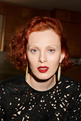 Karen Elson Women's Fashion