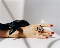 KAROLIN VAN LOON Beauty