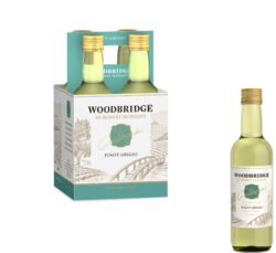 Woodbridge Pinot Grigio FY22 187ml Plastic Bottle 4 pk COPHI - No Text