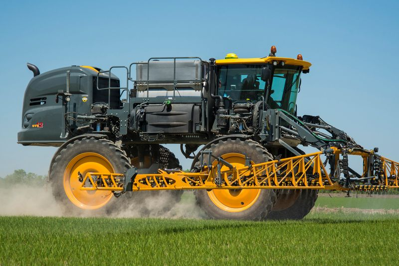 For model year 2019, two more models of Hagie sprayers–STS10 and STS12–will be powered by 6.8L PowerTech John Deere engines.