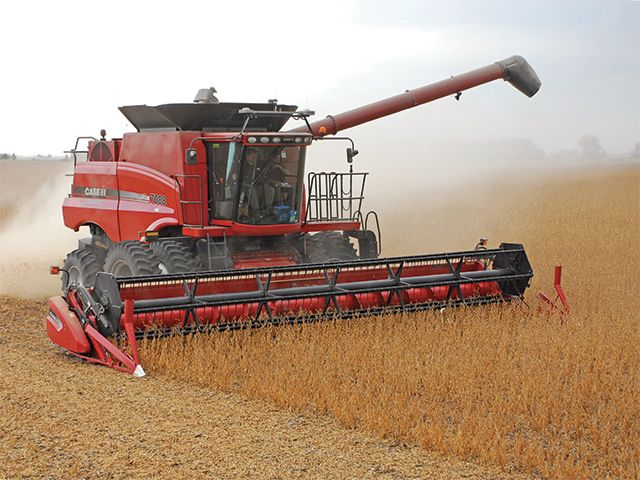 DarrellSmith-10-12-15-Soybean-harvest-at-Trainors-640x480