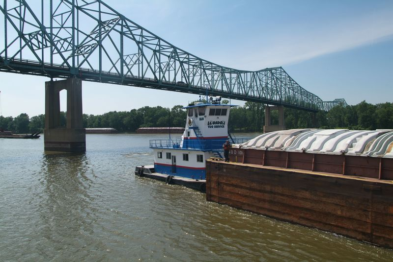 River Barge 04