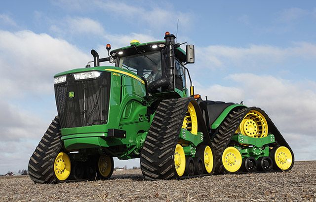 For model year 2019, John Deere is outfitting 9R, 9RT, and 9RX tractors with new features.