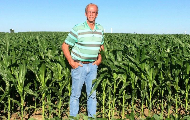 Harnessed to six-row, alternating strips of corn and soybeans, Jim Nichols boomed a 292 bu. yield average. Standing on the edge of his farmland, Nichols points upward at a carbon secret: His corn crop comes from the sky.