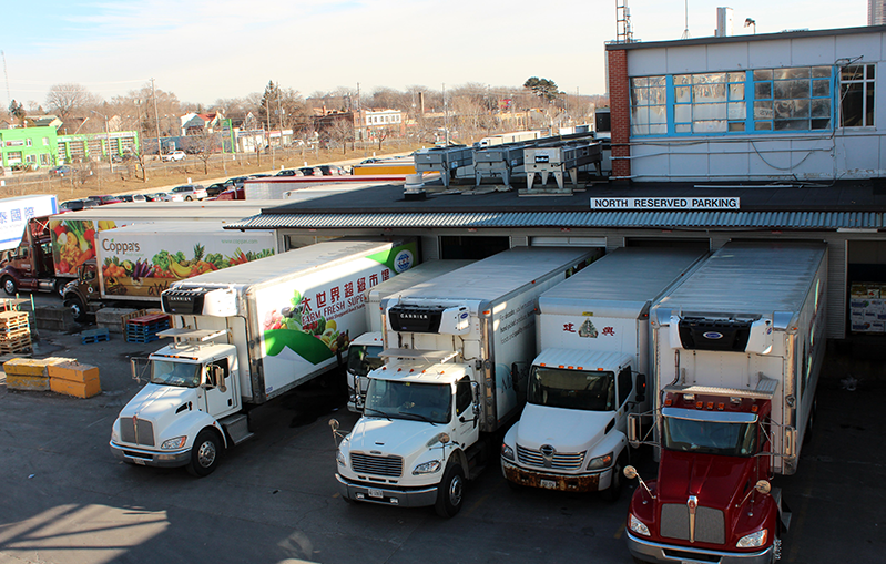 Trucks-at-Toronto-market