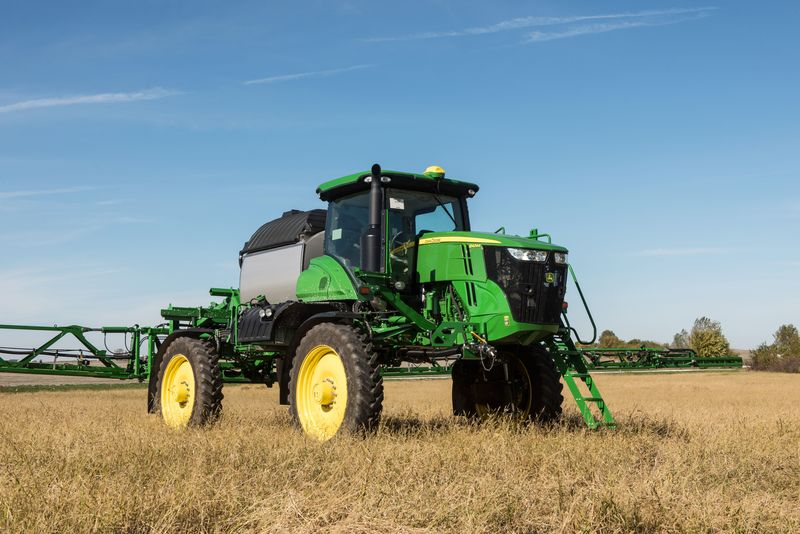 The R4044 sprayer has 1,200 gal. capacity and is 9% lighter than the R4045 sprayer.